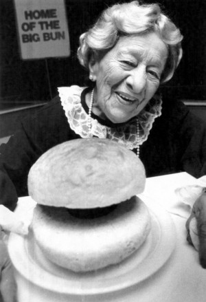 Meet Clara Peller, manicurist turned actress at age 81